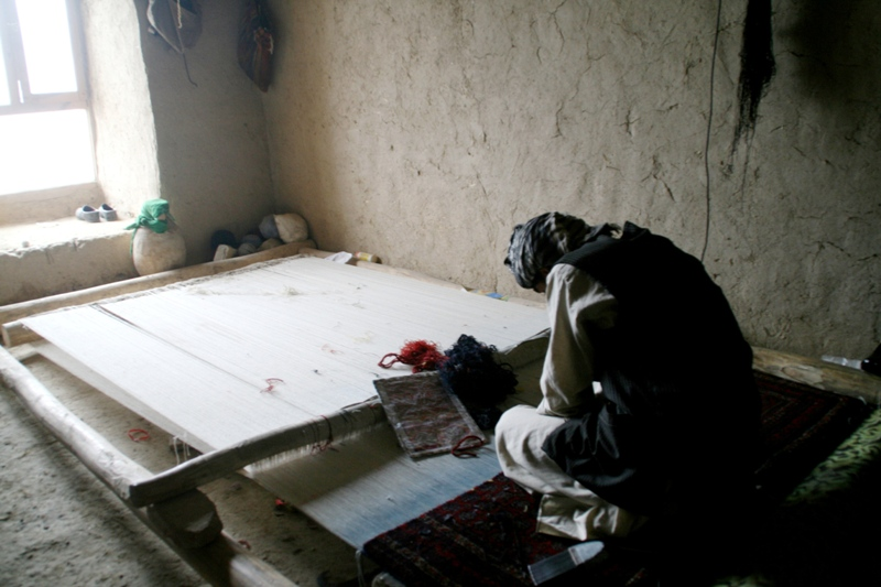 carpet-making-in-north-afghanistan-2