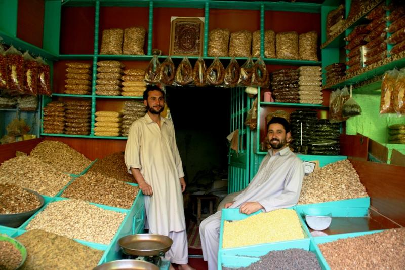 marketing-nuts-and-raisins-in-kabul